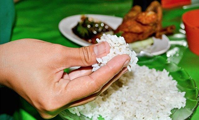 Jedzenie rękami uruchamia nowe doznania zmysłowe