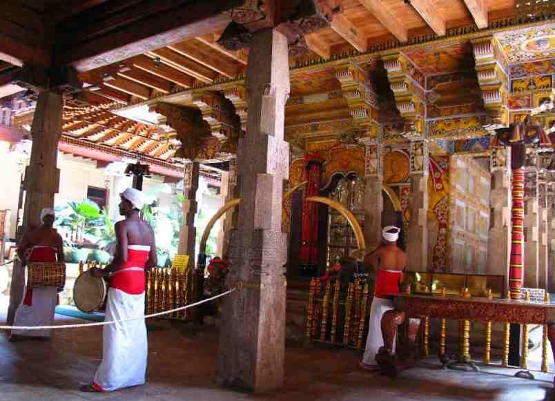 Kandy, Świątynia Zęba Buddy