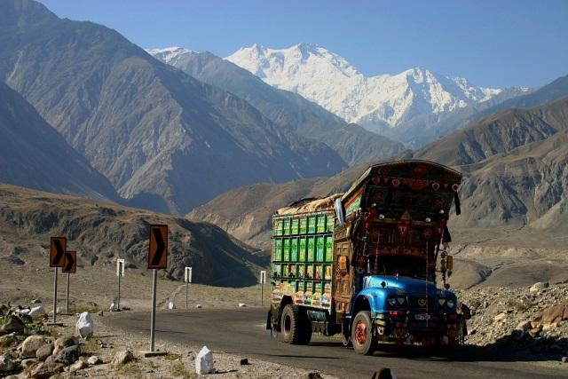 Karakoram Highway - autostrada dla twardzieli.