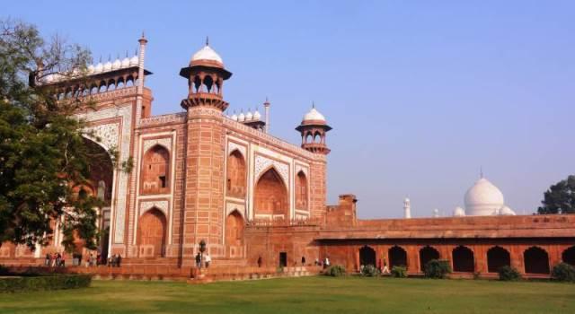 Taj Mahal - brama wejściowa