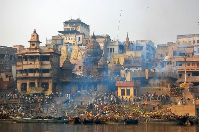 Manikarnika Ghat w Varanasi