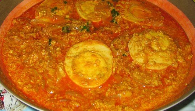 Egg curry po indyjsku